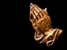 praying-hands-2539580_1920